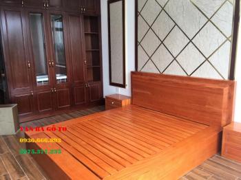 Giường gỗ nguyên khối tại Hải Dương