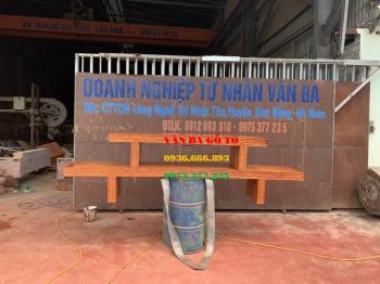 Kệ gỗ nguyên khối - KTV001
