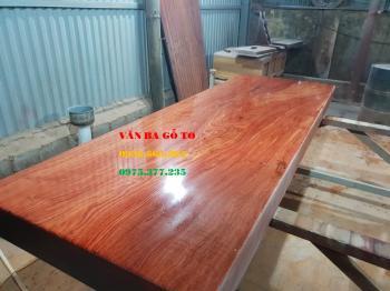 Mặt bàn ăn gỗ nguyên khối tại Sài Gòn