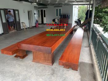 Bàn ăn gỗ nguyên khối tại Quảng Ninh